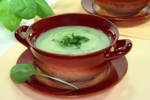 Herb-soup-garnished