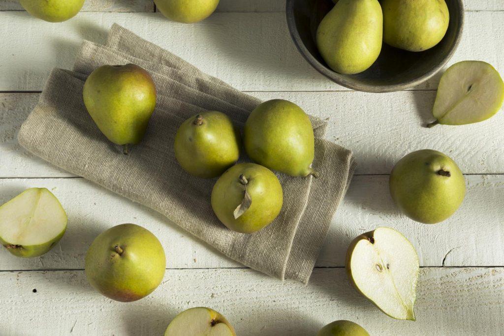 Raw Green Organic Seckel Pears